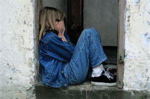 child-sitting-1816400__480